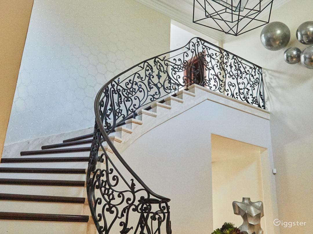 Brilliant Mansion in Beverly Hills Photo 3