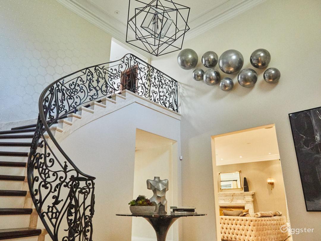 Brilliant Mansion in Beverly Hills Photo 4
