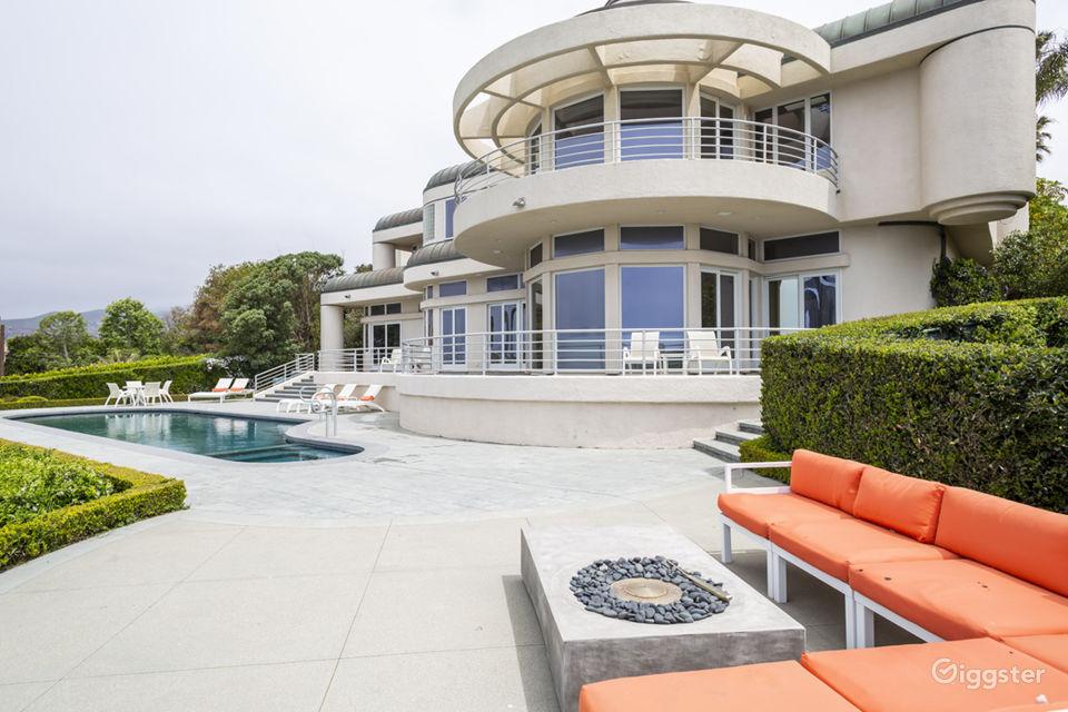 Oceanfront Mansion Estate in Malibu