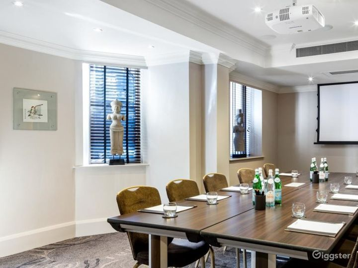 Amazing Private Room 15 in Great Russell Street, London Photo 2