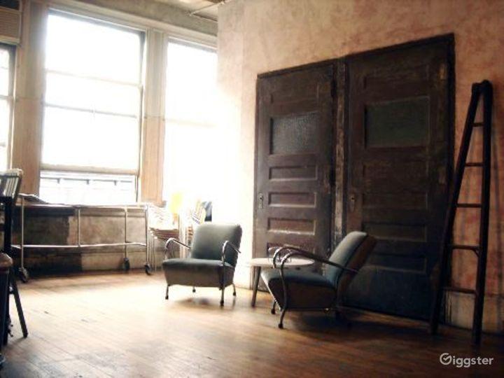 Distressed apartment: Location 2647 Photo 4