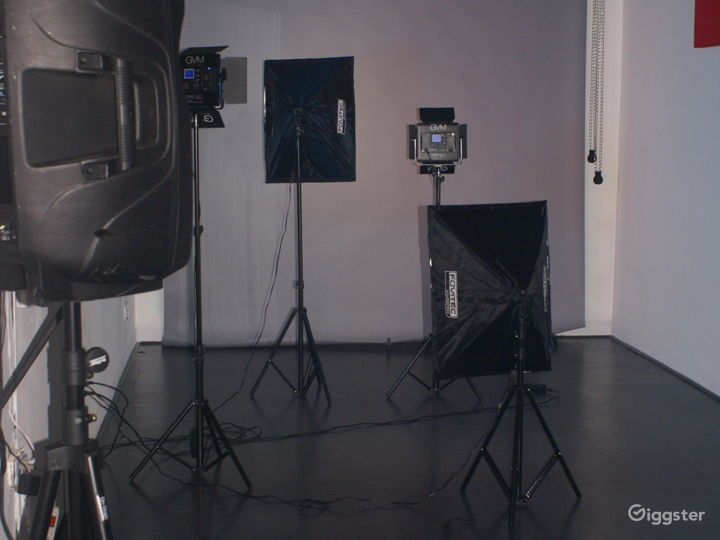 24-hour Multi-Purpose Photography Studio  Photo 4