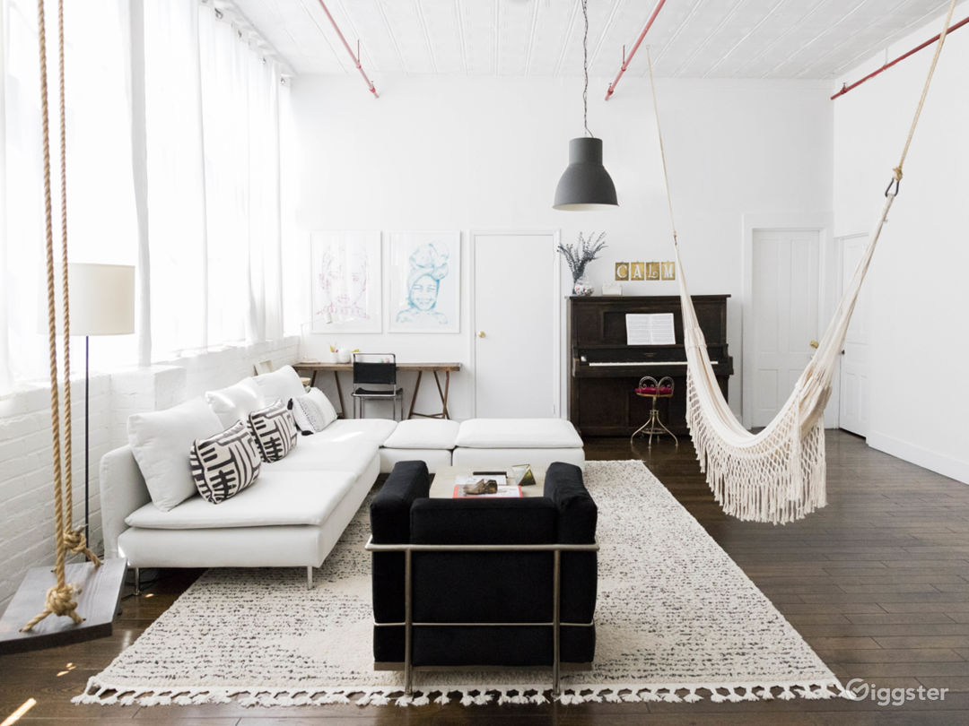 Bright and homey LOFT Photo 2