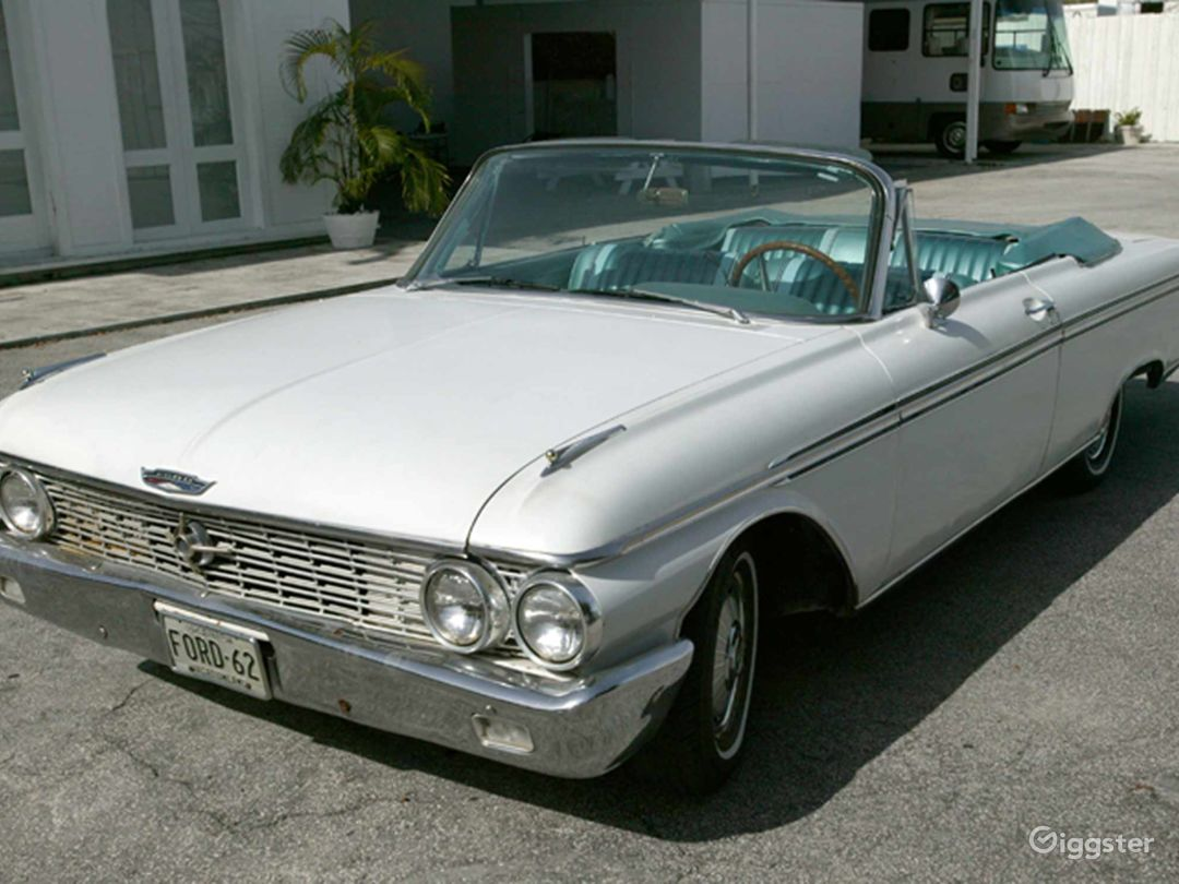 Stylish and Classic 62 Ford Galaxie Convertible Photo 1