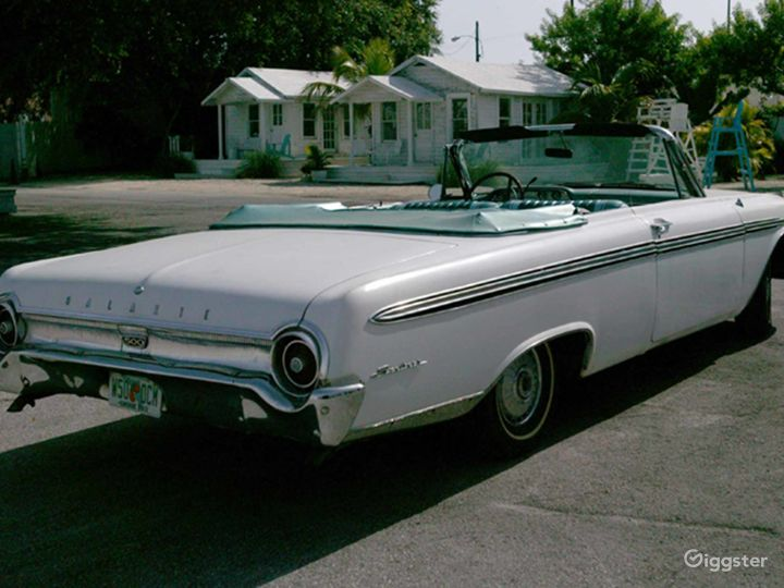 Stylish and Classic 62 Ford Galaxie Convertible Photo 5