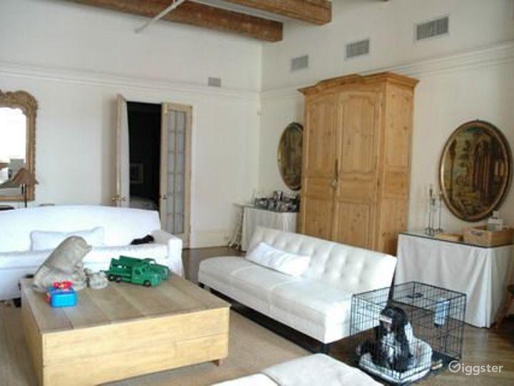 NY loft style apartment: Location 4186 Photo 2