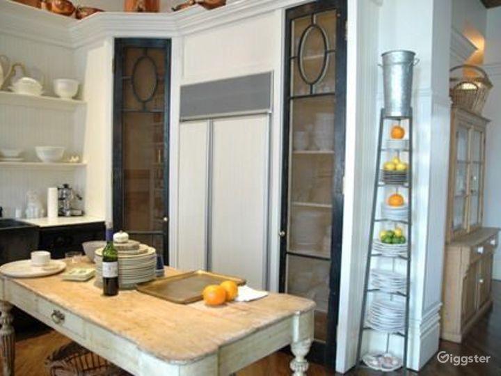 NY loft style apartment: Location 4186 Photo 4