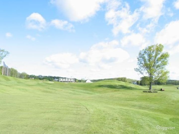 Golf course and country club: Location 3158 Photo 2