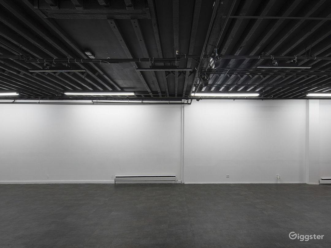 Versatile Studio with Patio Photo 3