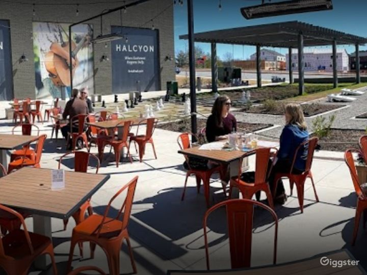 First Floor Outdoor Dining in Alpharetta Photo 4