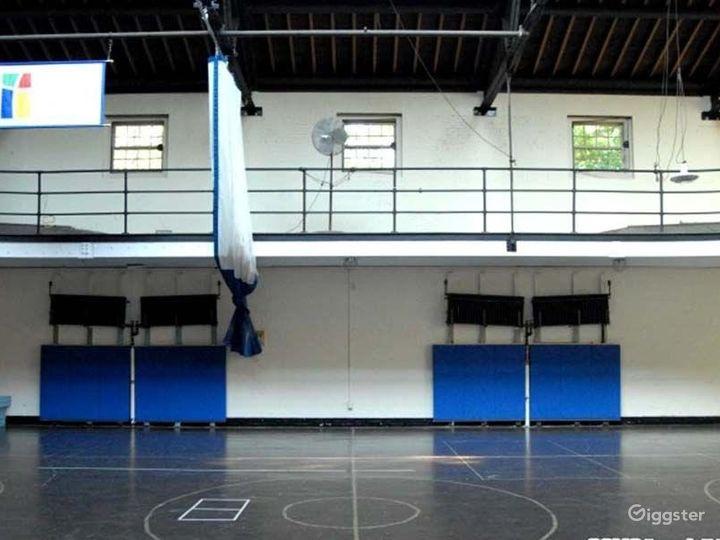 School basketball gym facility: Location 4241 Photo 4