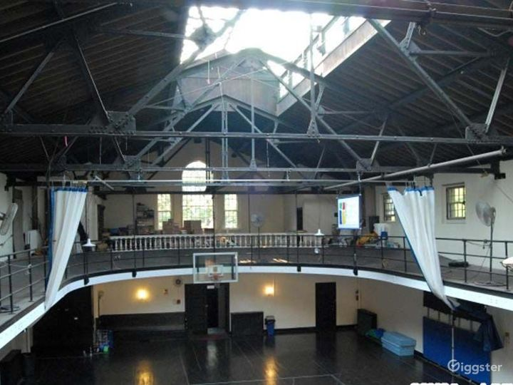 School basketball gym facility: Location 4241 Photo 2