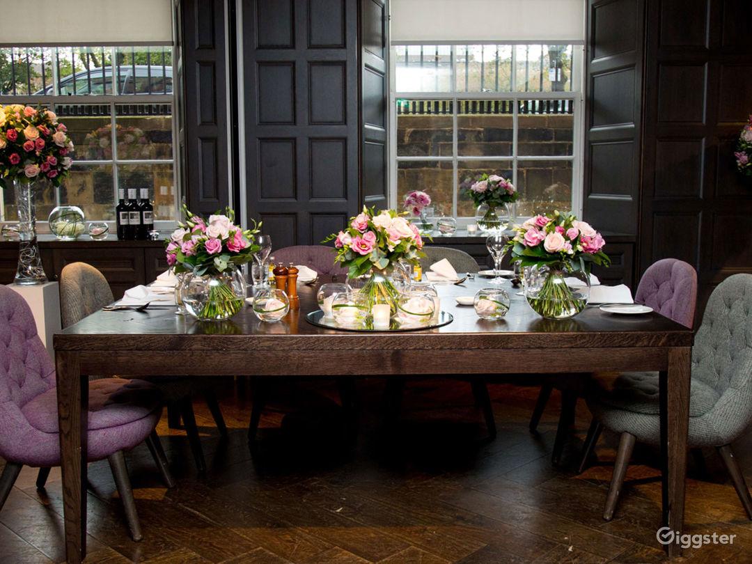 Classy Monte Carlo Room 2 in Glasgow Photo 1