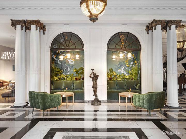 Classy Monte Carlo Room 2 in Glasgow Photo 4