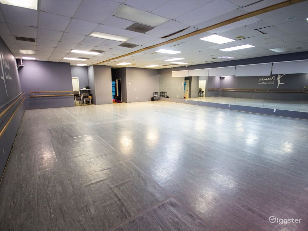 Downtown Houston's Spacious Studio Space for Classes & Events  Photo 1