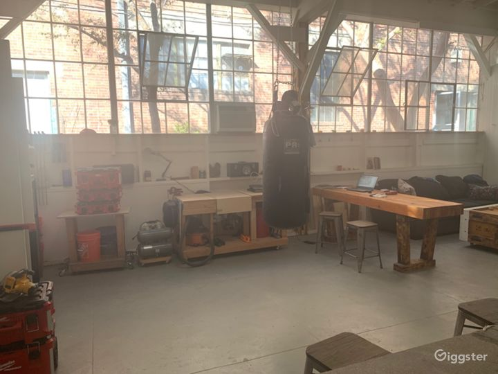 Industrial Artist/Construction Studio Photo 5