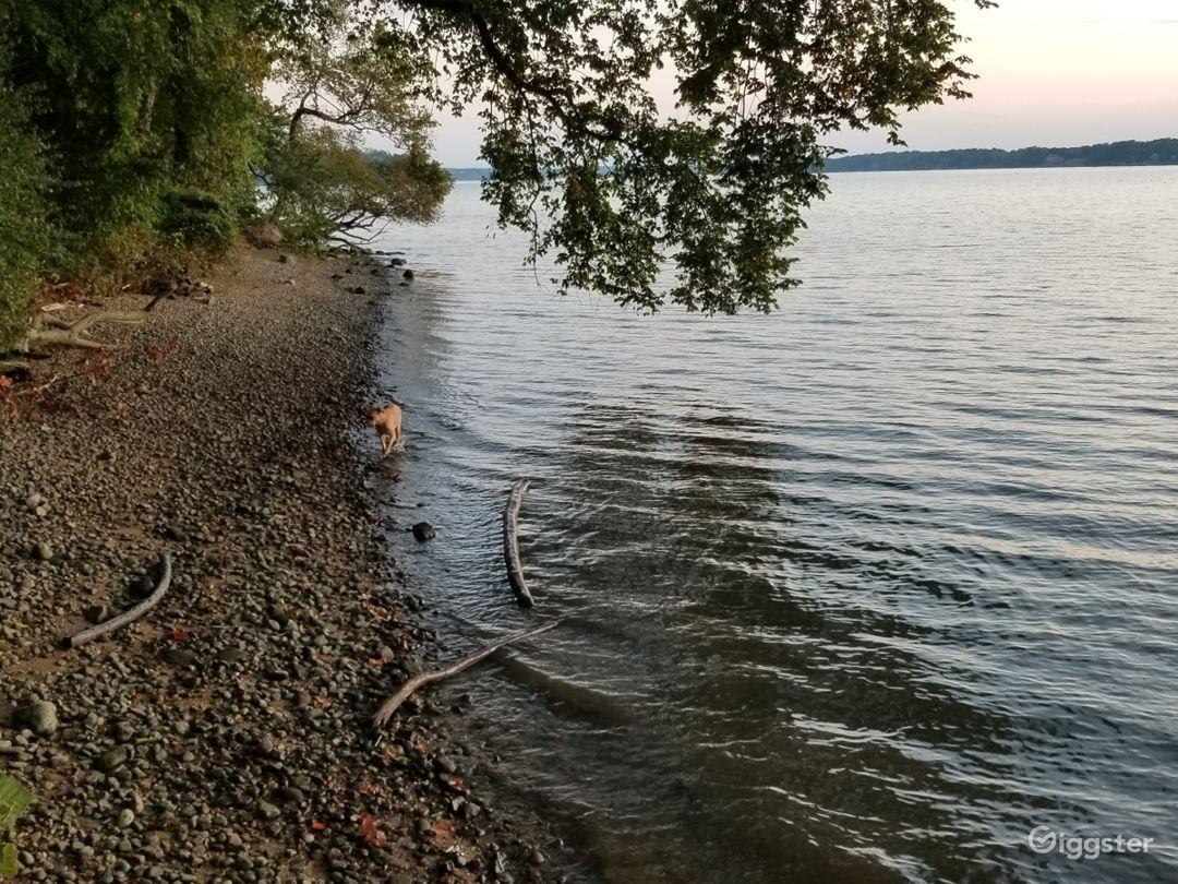 Waterfront Potomac Access near National Harbor Photo 5