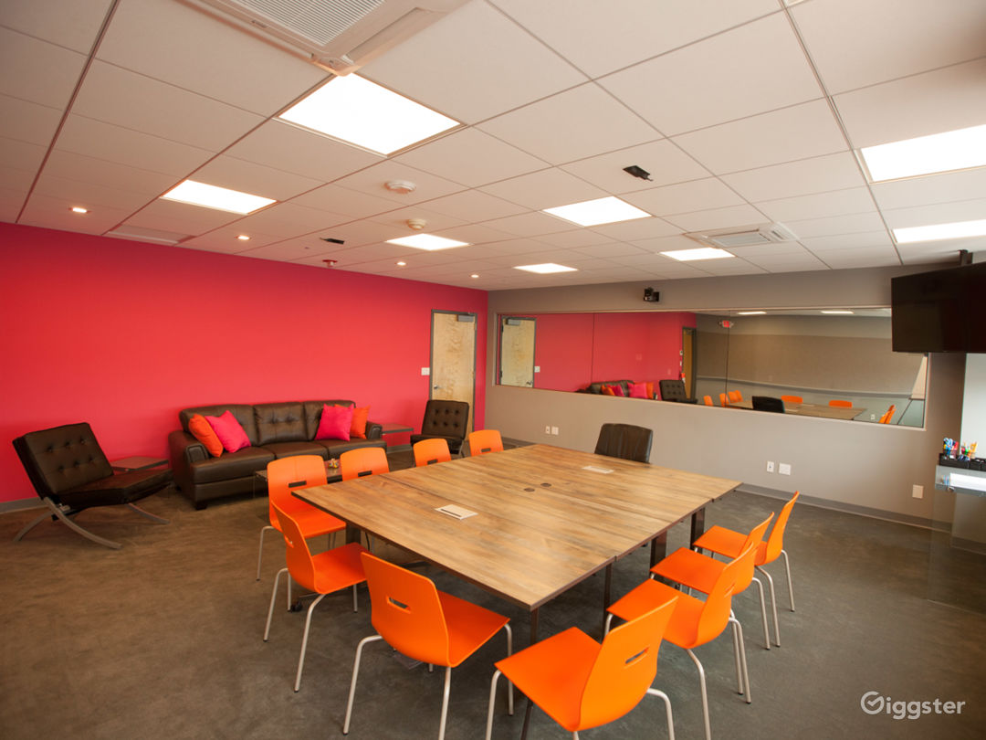 Conference Room w/Conference table