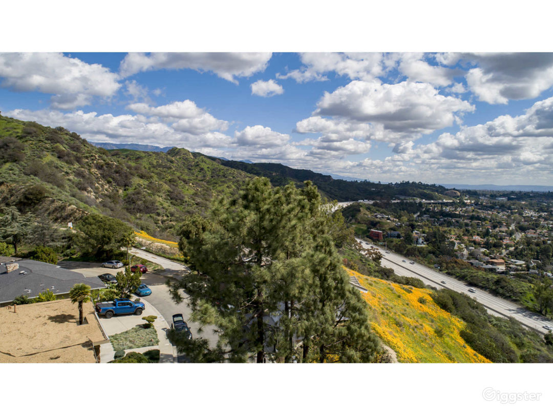 Mountain top with 360 degree unobstructed views Photo 5