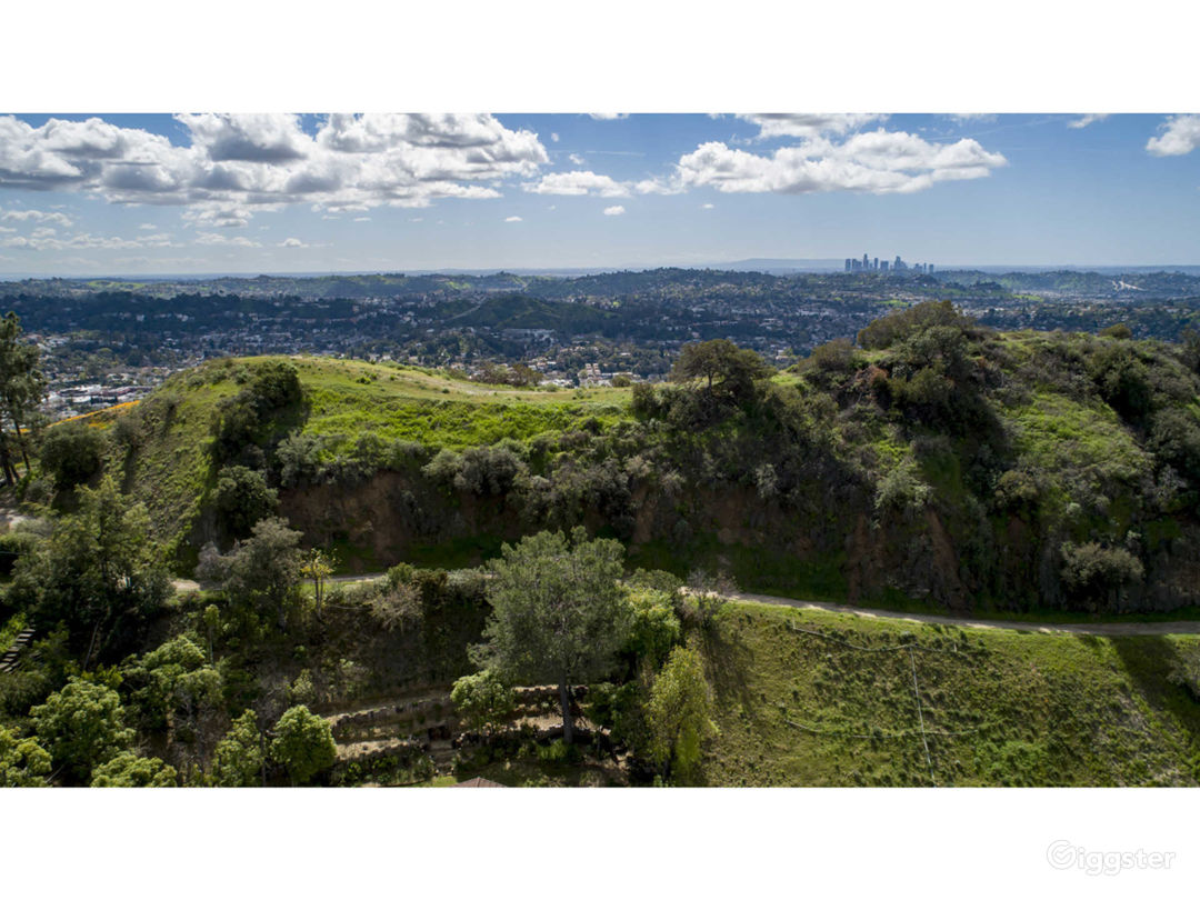 Mountain top with 360 degree unobstructed views Photo 4