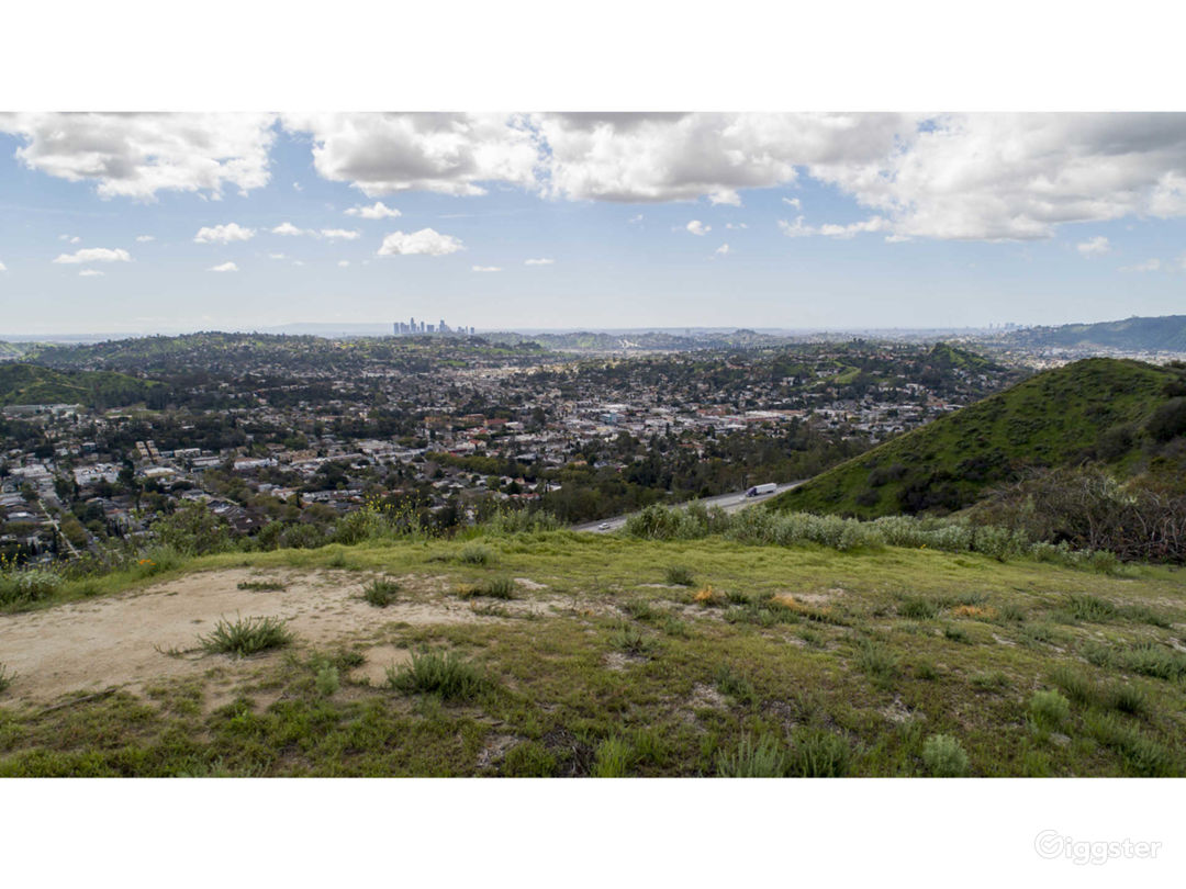 Mountain top with 360 degree unobstructed views Photo 1