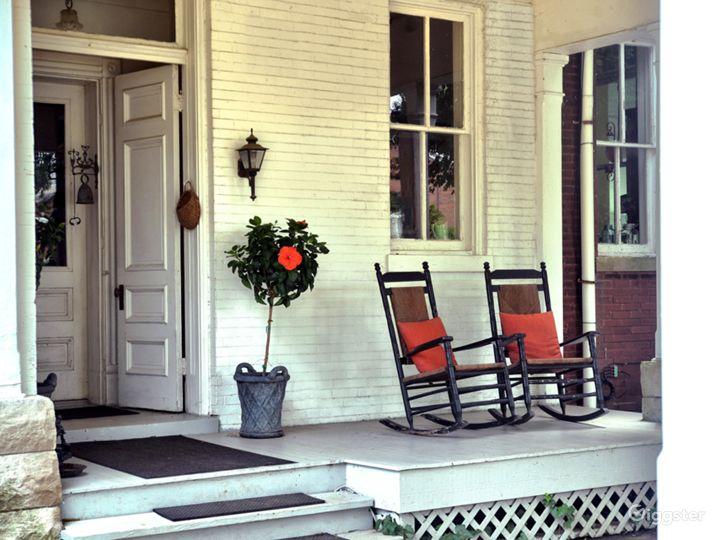 Side Porch/Porte Cochere