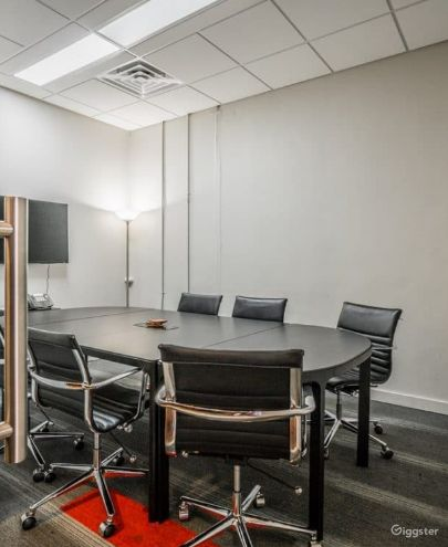Tesla Designed for Convenience Large Size Conference Room Photo 1