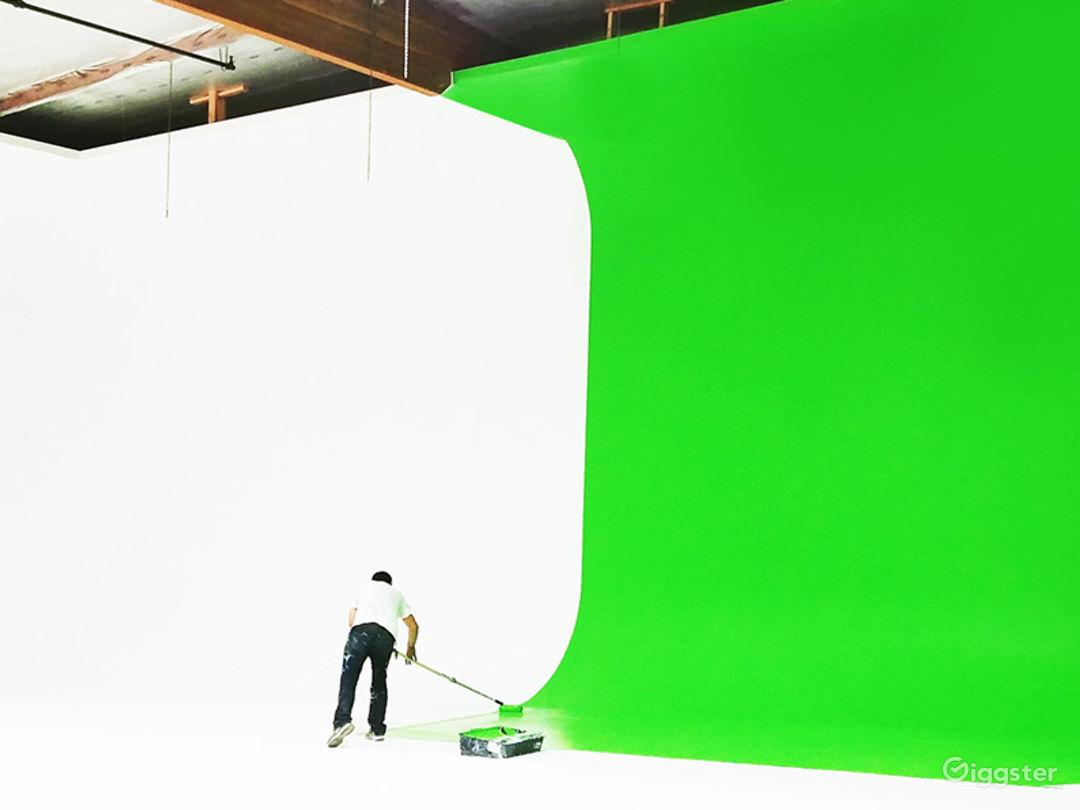 Green Screen Studio - Huge Cove Cyclorama Sound Stage
