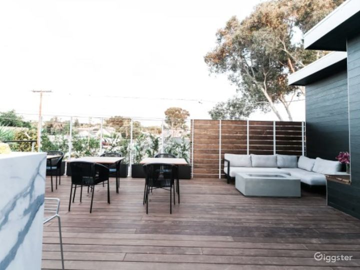 Mindful Minimalist Hotel Event Venue with Lobby and Roof Deck Photo 2