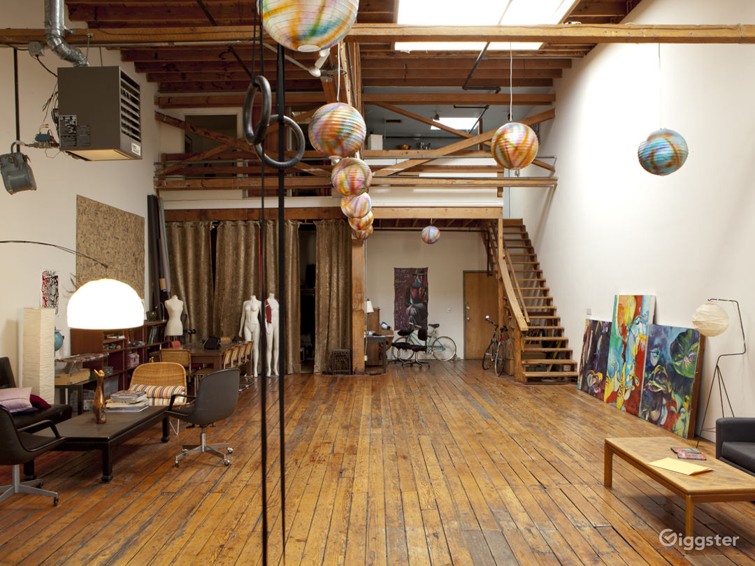 Large Oakland Studio, great day light Photo 1