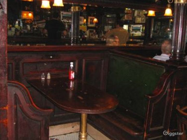 Tavern style bar and restaurant: Location 4150 Photo 2