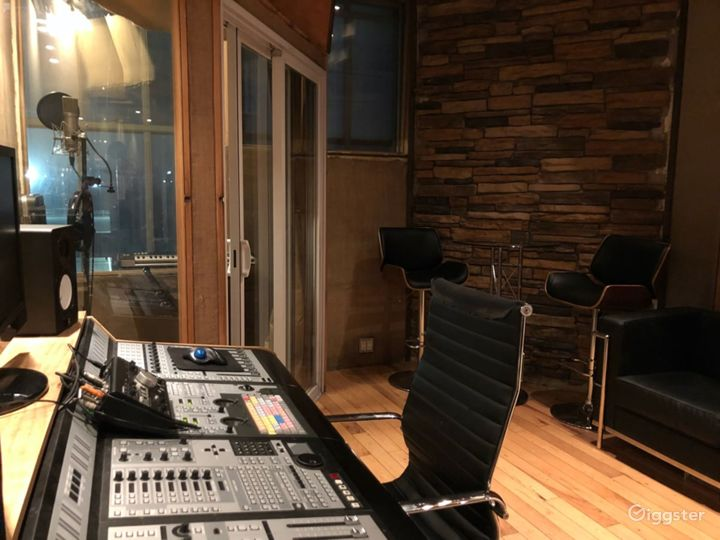 Production/Recording Space for Artists & Producers Photo 4