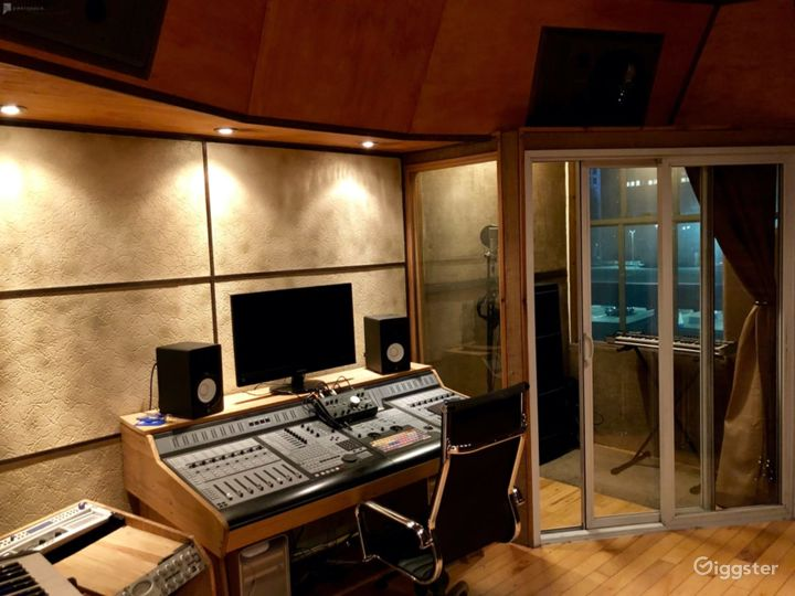 Production/Recording Space for Artists & Producers Photo 5