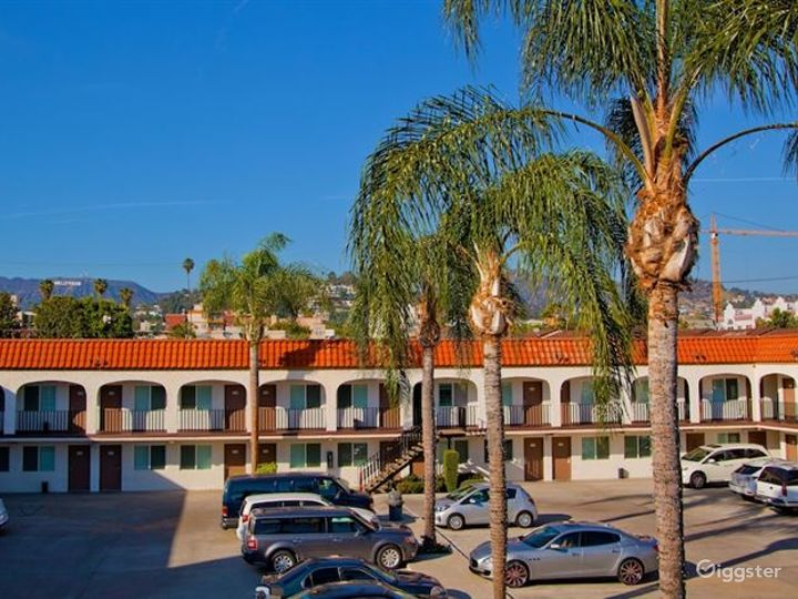 Airy and Comfortable Parking Lot in LA Photo 4