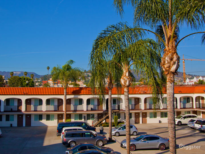 Airy and Comfortable Parking Lot in LA Photo 5