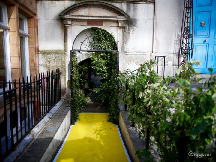 Secret Garden Gate leading to Stationers' Hall Garden