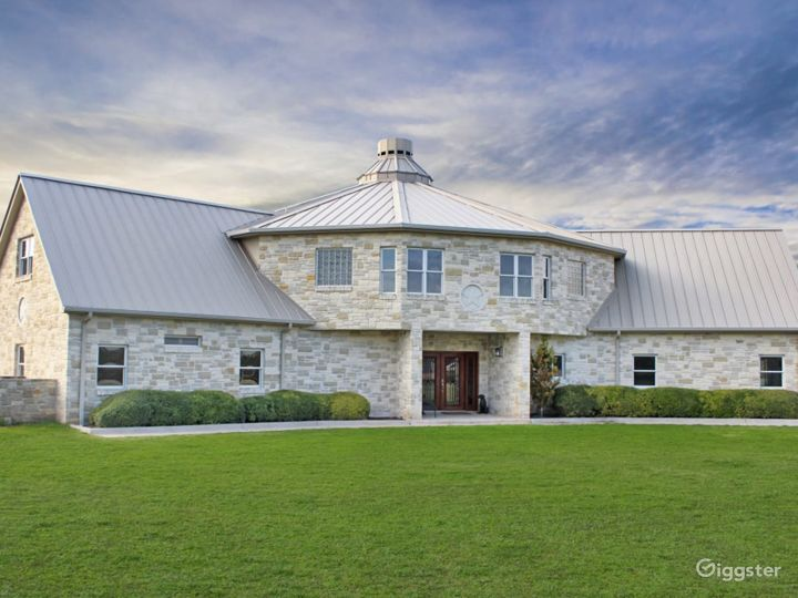 Rustic Yet Refined, Spacious and Luxurious Texas Hill Country Ranch Events Venue Photo 2