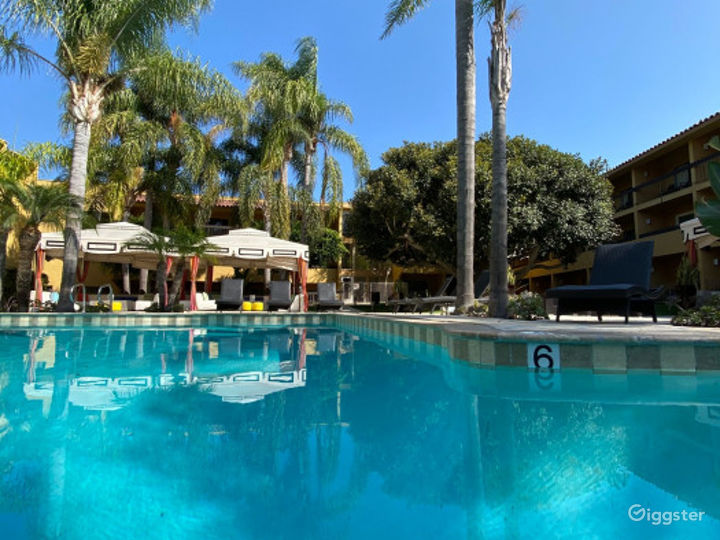 Perfect Poolside Outdoor Venue Photo 3