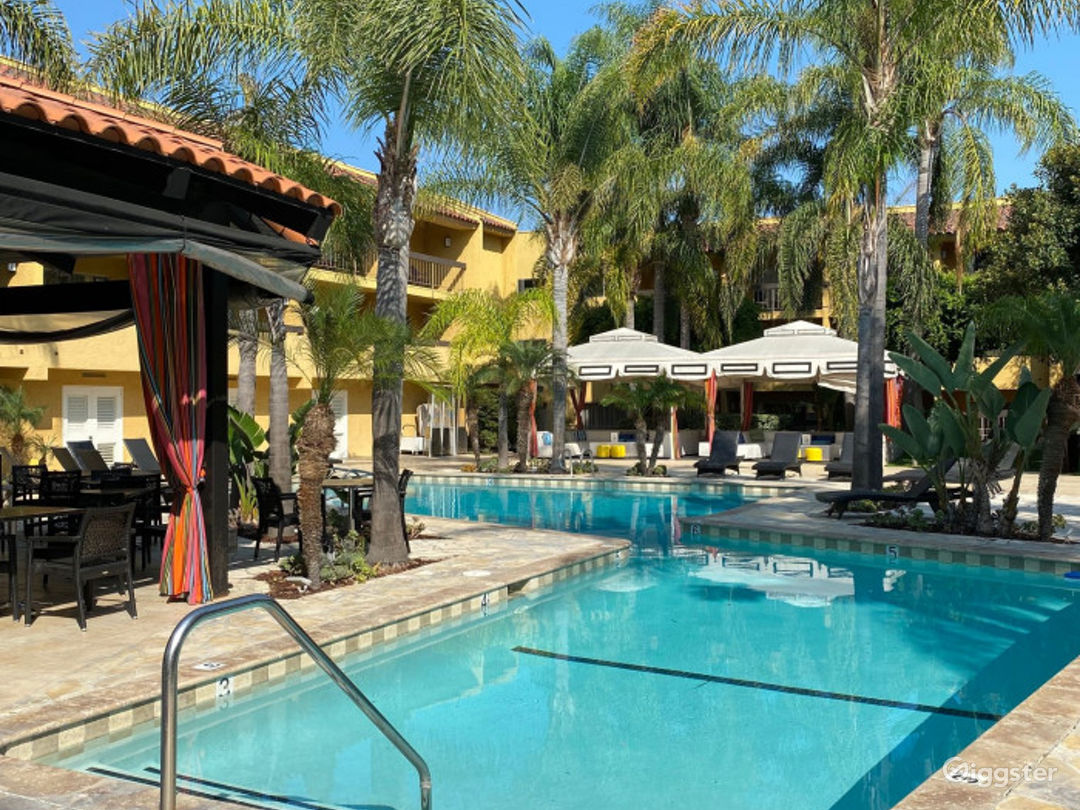 Perfect Poolside Outdoor Venue Photo 1
