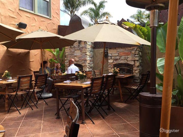 Captivating Courtyard in California Photo 5