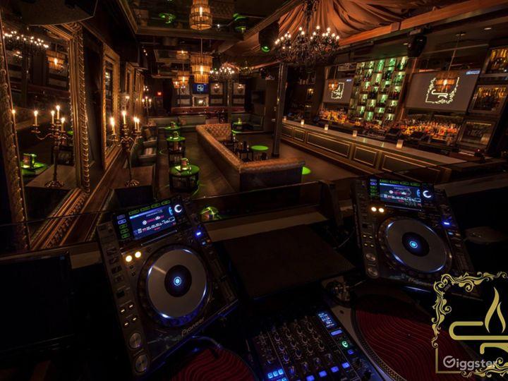 Dallas' Premier Lounge: Sexy Venue with Style Photo 4