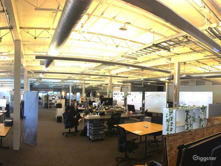 Collaborative Hot Desk Space  Photo 2