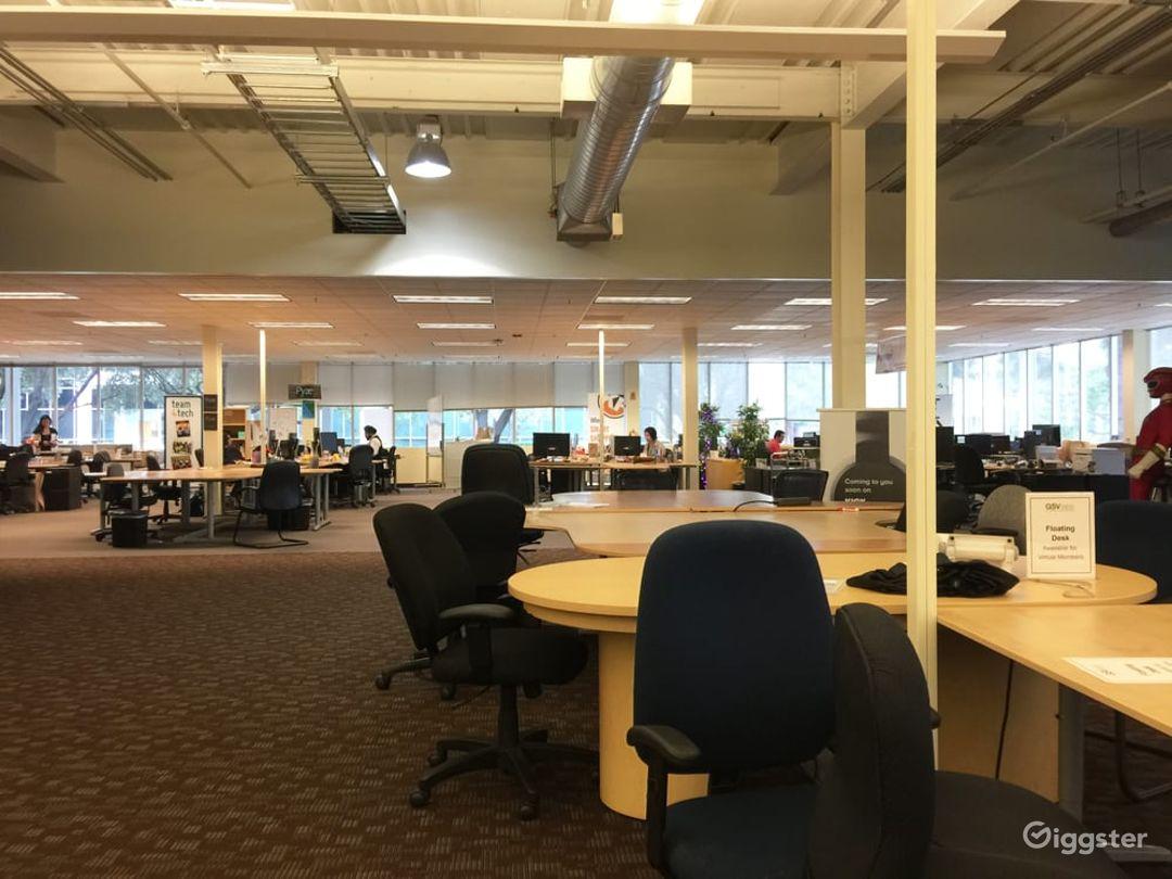 Collaborative Hot Desk Space  Photo 1