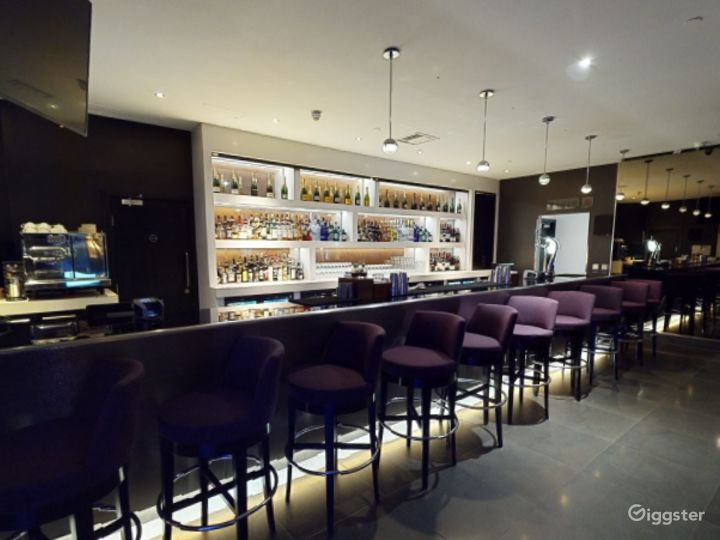 Astonishing Bar in Canary Wharf, London Photo 5
