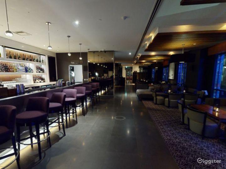 Astonishing Bar in Canary Wharf, London Photo 4