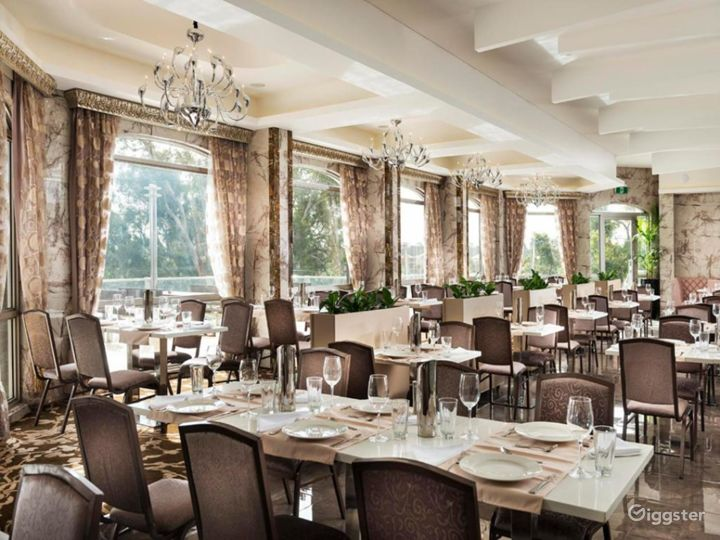 Refreshingly and Spacious Restaurant in Ascot Photo 5
