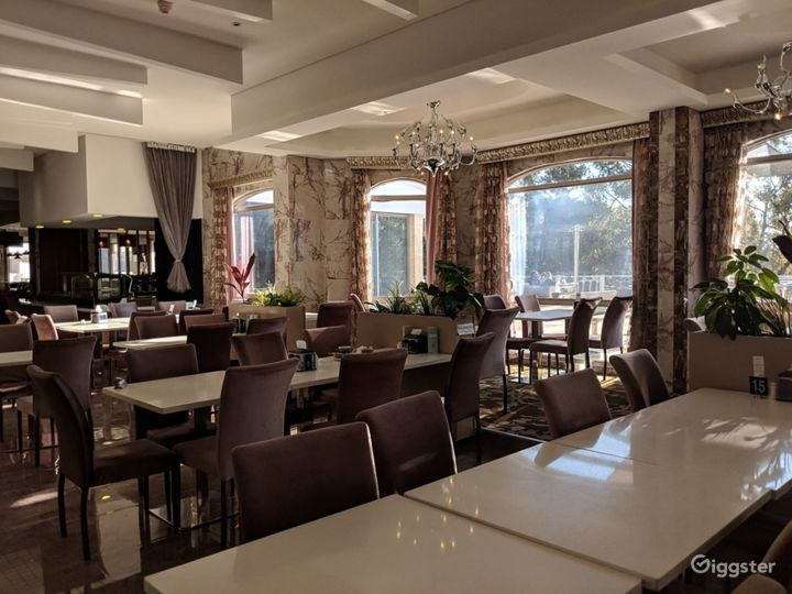 Refreshingly and Spacious Restaurant in Ascot Photo 3