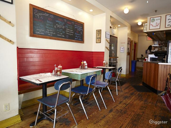 Neighborhood cafe and restaurant: Location 5030