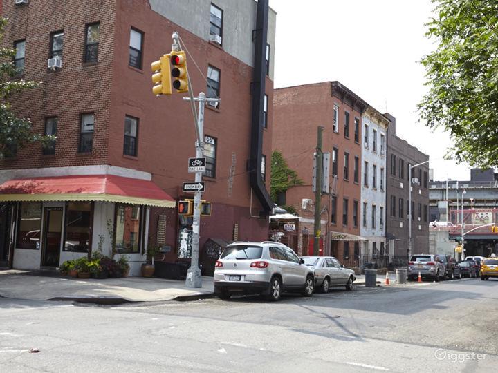Neighborhood cafe and restaurant: Location 5030 Photo 3
