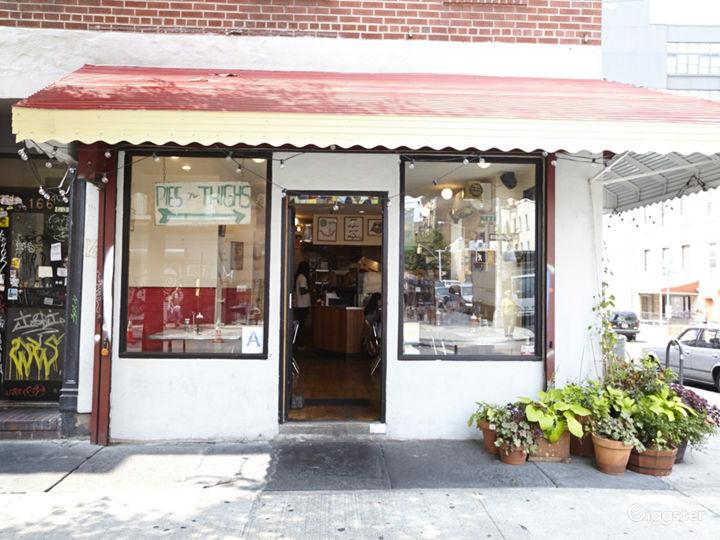 Neighborhood cafe and restaurant: Location 5030 Photo 4